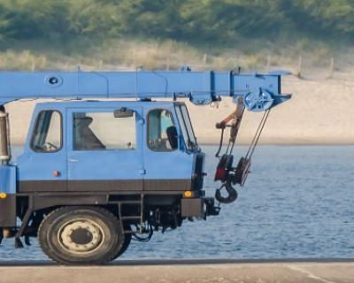 Pedestal Mounted Crane – Operator Safety (CAN)