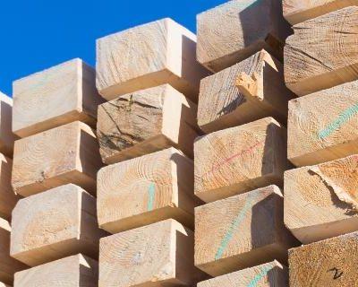Prácticas de apilamiento y almacenamiento para la construcción